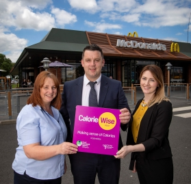 Lisburn & Castlereagh City Council Present Gold Award for Calorie Labelling