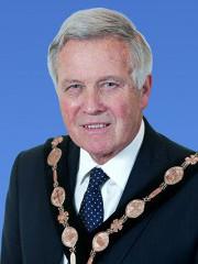 Mayor Cllr Brian Bloomfield MBE 320x452.jpg