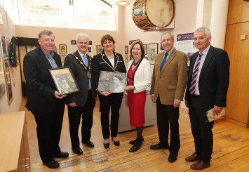 First Minister visits Lisburn's 90th Birthday Exhibition of the Queen