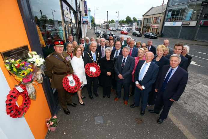 Council lays wreath to remember bomb victims