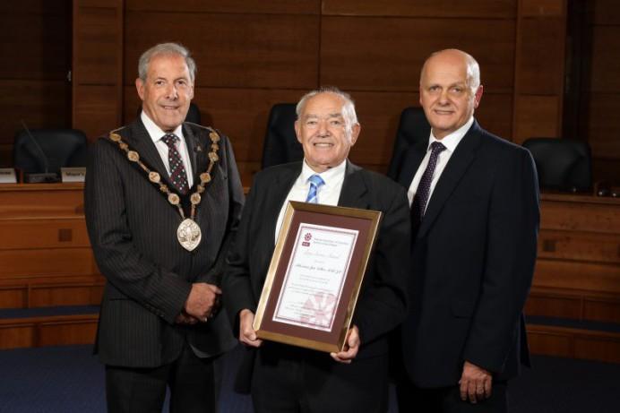 Alderman Jim Dillon MBE receives a Lifetime Achievement Award