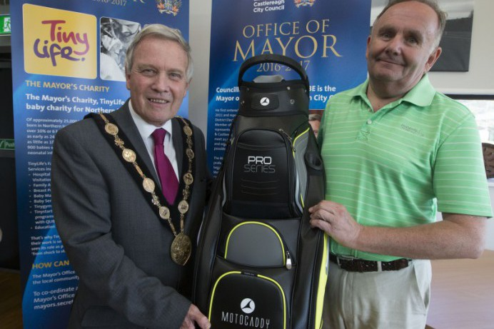 £2000 raised for TinyLife at Mayor's Charity Golf Day