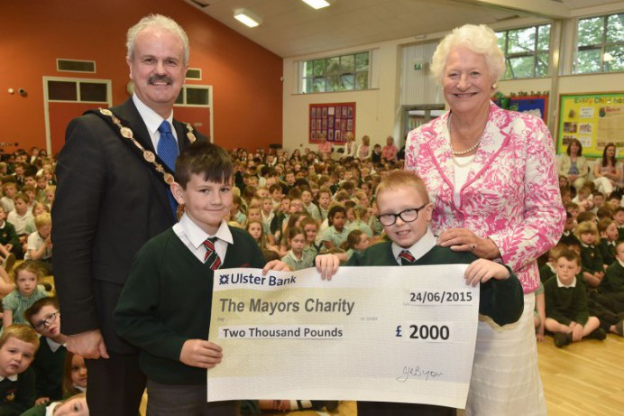 Dundonald Primary School Makes Donation to the Mayor's Charity