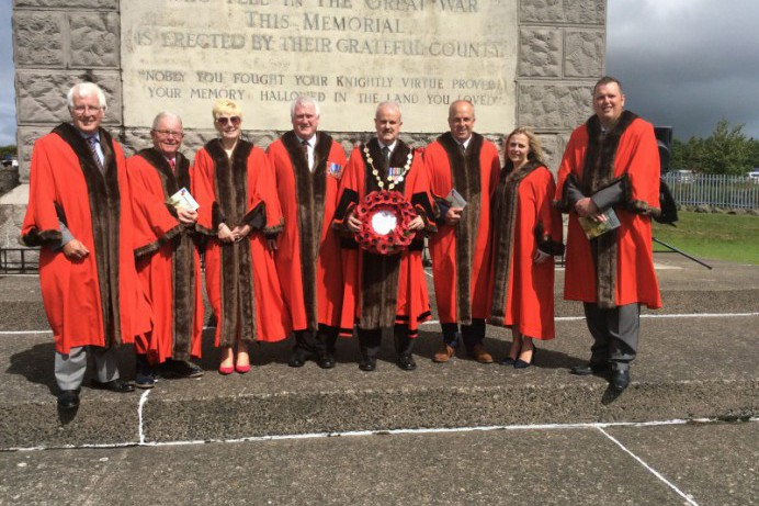 Mayor Marks End of Armed Forces Week
