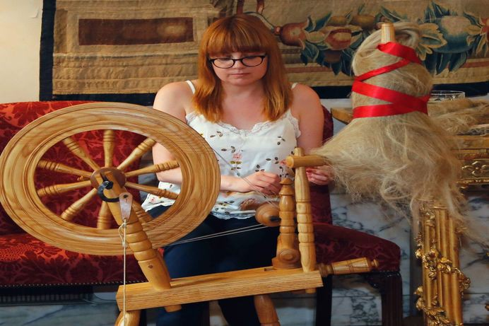 Museum Displays its Hand Spinning Talents at the Queen's Birthday Party in Rome