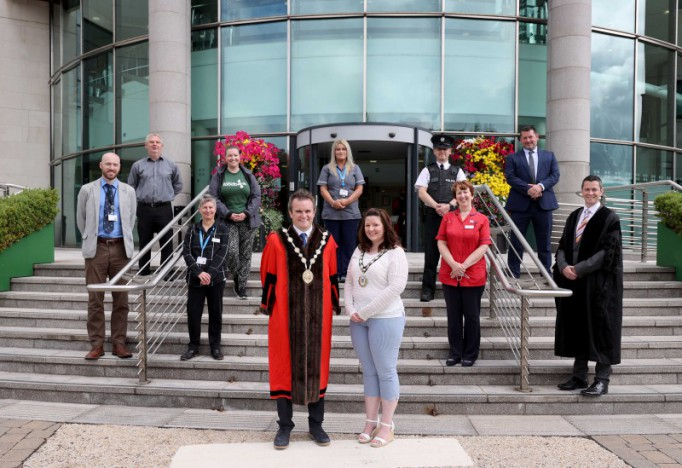 Council shows support for frontline workers