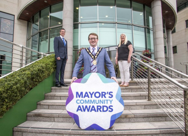Nominate your community heroes in the 2021 Mayor's Community Awards