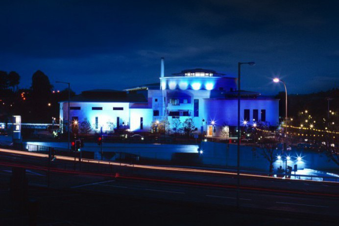Council Lights Up Blue to Support the NHS