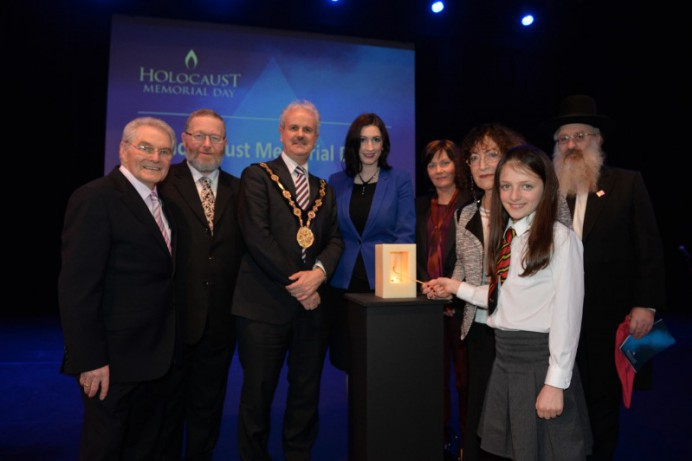 Council hosts Holocaust Memorial Day Commemoration